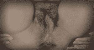 Stinkender Popo mit Scheiße am Loch.